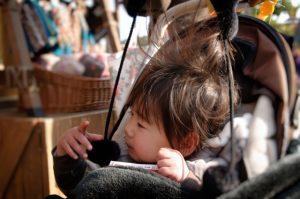 子供 髪 静電気